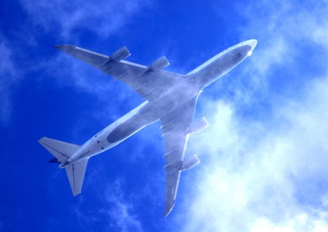 airplane-cloud